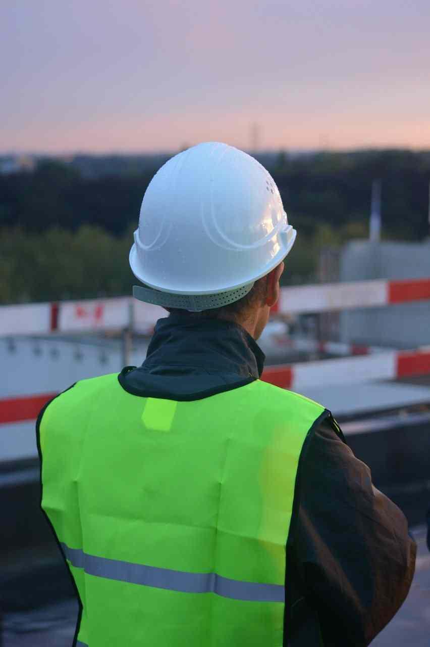 vêtements de travail professionnels personnalisables EPI chaussures de sécurité
